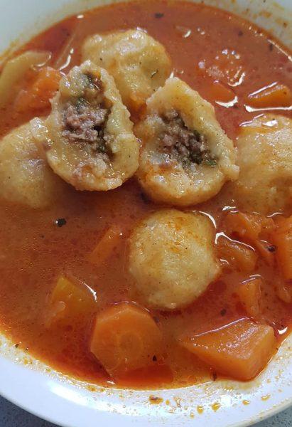מרק קובה סולת במילוי בשר וירקות