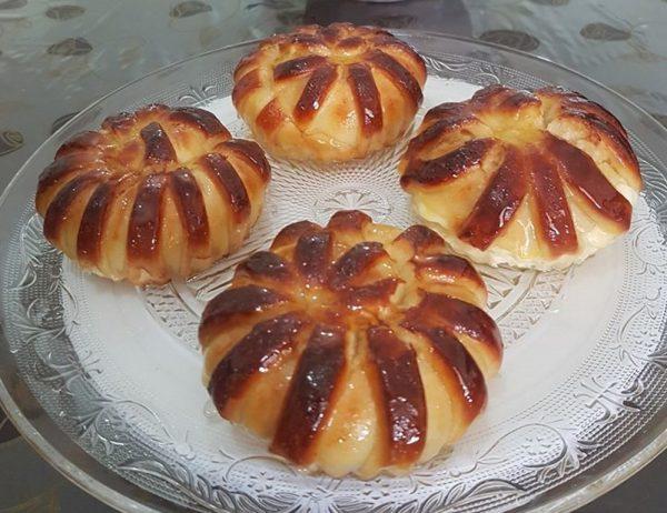 שושני בצק שמרים במילוי גבינה צימוקים וחמוציות_מתכון של כרמלה שמואל