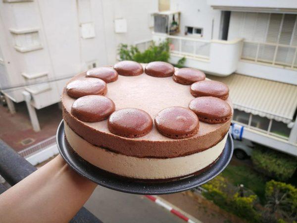 עוגת שכבות מוס חגיגית ומושקעת במיוחד