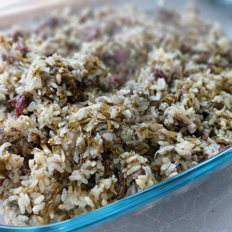 באחש – תבשיל אורז בוכרי עם בשר ומלא מלא ירוקים