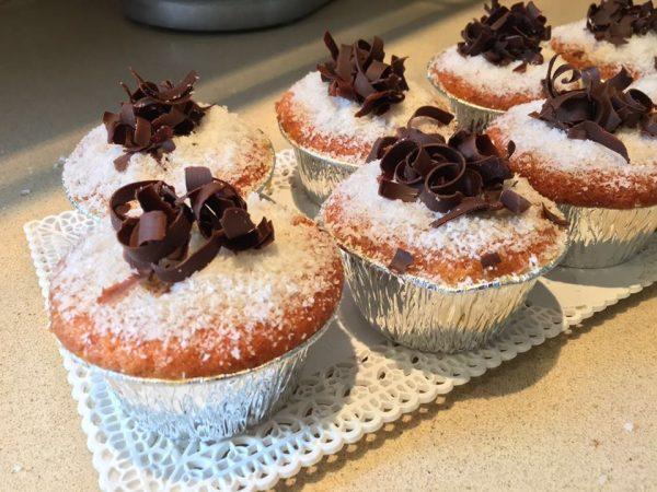 עוגת מאפינס ספוגה בסירופ תפוזים_עופרה מרציאנו