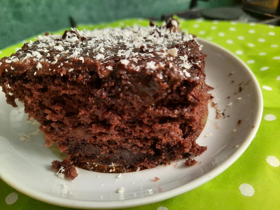 עוגת שוקולד טבעונית עם ציפוי שוקולדים_גילה כהן-אבני