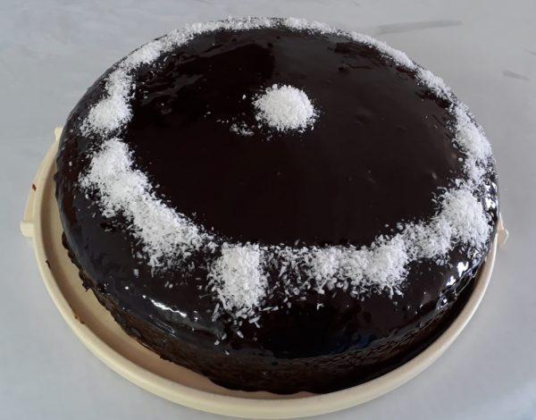 עוגת שוקולד רכה וטעימה פרווה _תהילה גיל