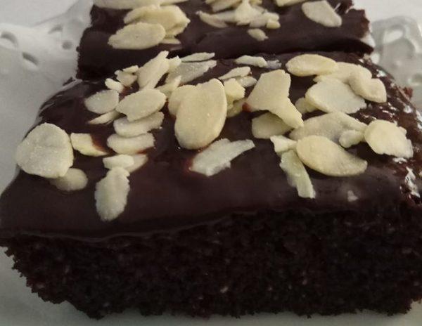 עוגת שוקולד רכה וטעימה … כשרה לפסח_יפה דודיאן