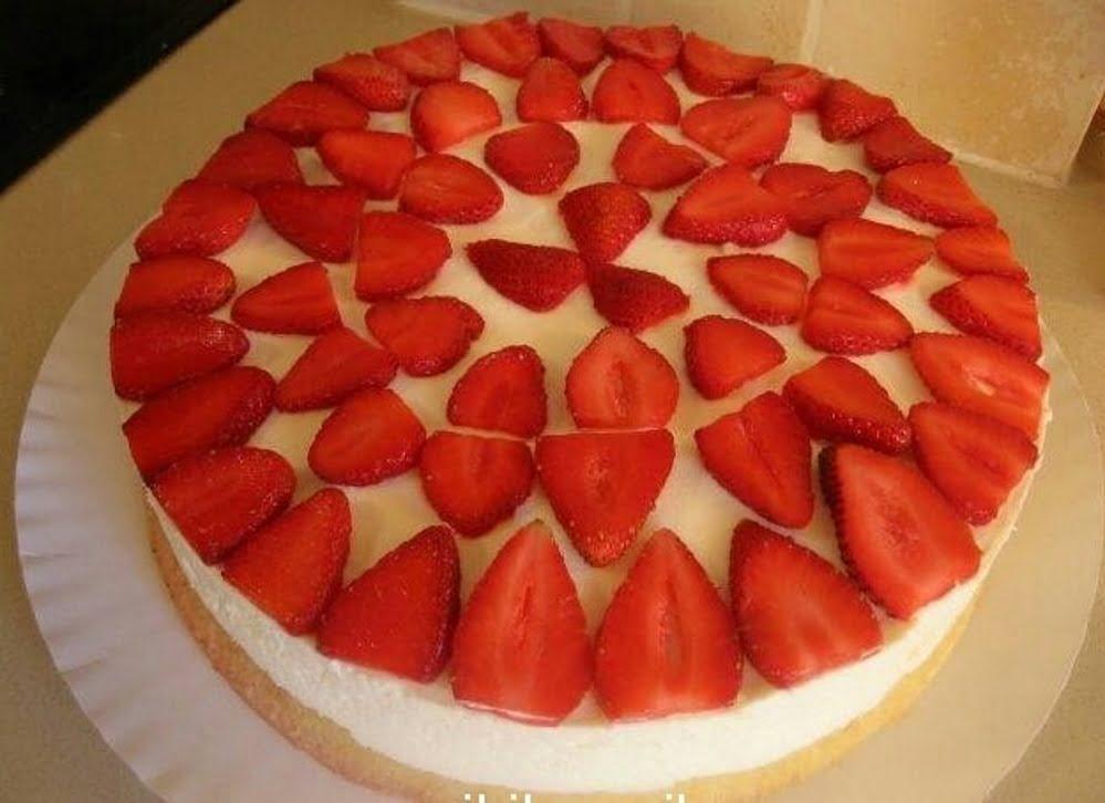 עוגת תותים וקצפת_ז'קלין סאני