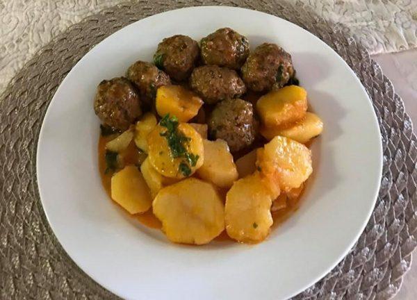 קציצות בשר עם תפוחי אדמה_סיגלית ימין