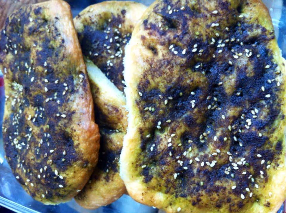 פוקצ׳ה עם זעתר לבנוני ושמן זית_המטבח של יפה רייפלר מתכונים