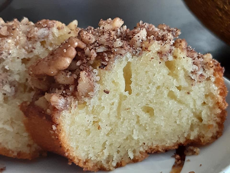 עוגה בחושה פרווה עם אגוזים וקינמון בקלי קלות_גילה כהן אבני