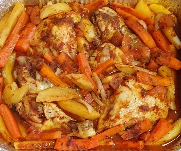 עוף וירקות בתנור בתיבול עשיר_יפה וקס-ברקו