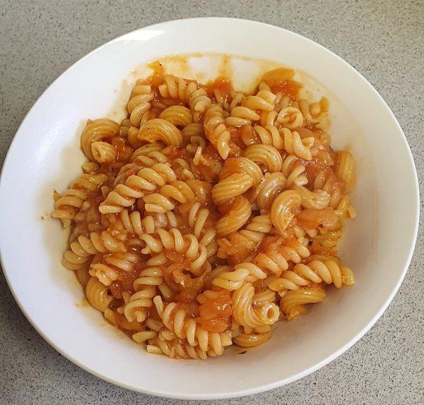 פסטה ברוטב אדום( בבשול אחד)_יפה וקס-ברקו