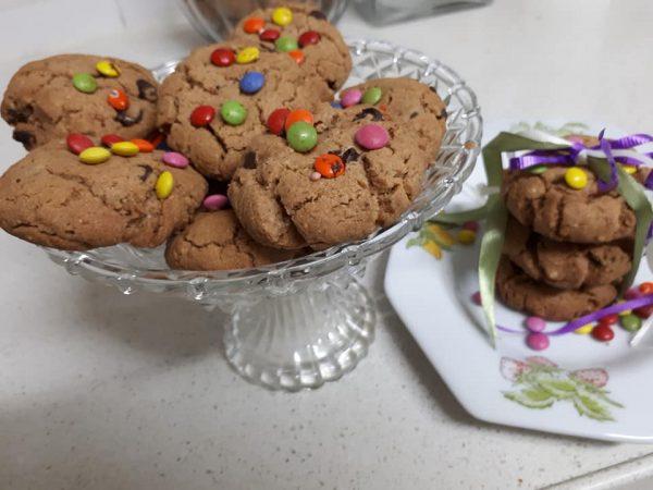 """עוגיות שוקולד צ'יפס מלאות נוגט ואגוזים כשרות לפסח_מתכון של חן ותכשיט ע""""י רחל עינב"""