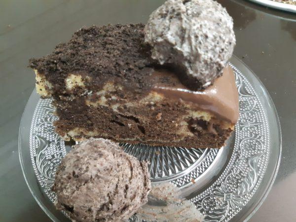 עוגת אוראו משוישת בציפוי גאנש ובליווי גלידת אוראו_מתכון של אורנה ועלני