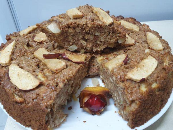 """עוגת ביסקויטים תפוחים וקינמון_מתכון של אהובה אלפרון ע""""י ירדנה ג'נאח"""