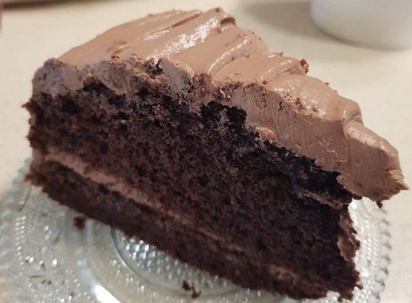 עוגת שוקולד גבוהה עטופה בקרם גנאש מריר וגבינה🌷🥰💕😀_מתכון של נורית יונה