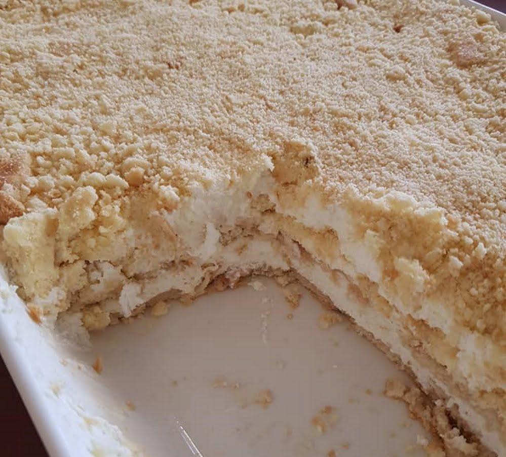 עוגת שמנת ביסקויטים ופירורים משולבת_מתכון של נורית יונה