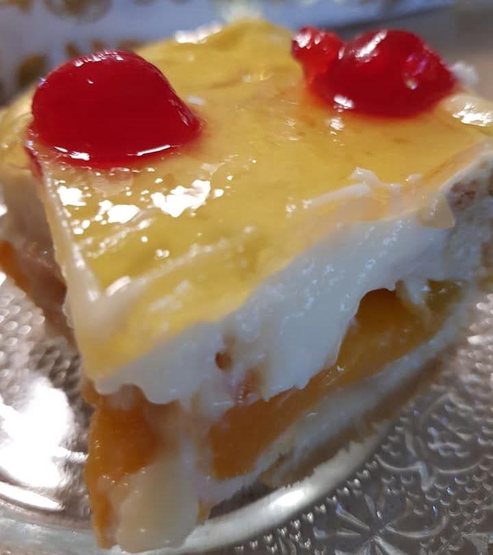 עוגת שטרויזל משמשים על בצק פריך, קצפת וג'לי_מתכון של נורית יונה