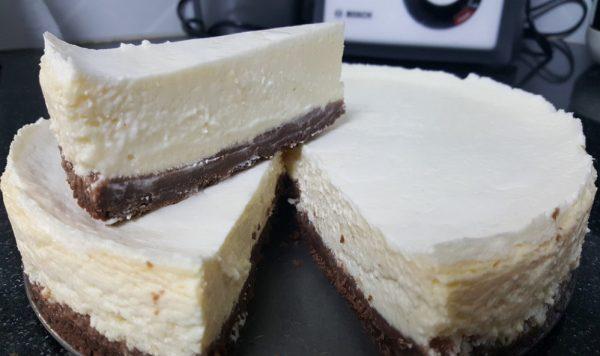 עוגת גבינה בחושה_מתכון של נירה חופי