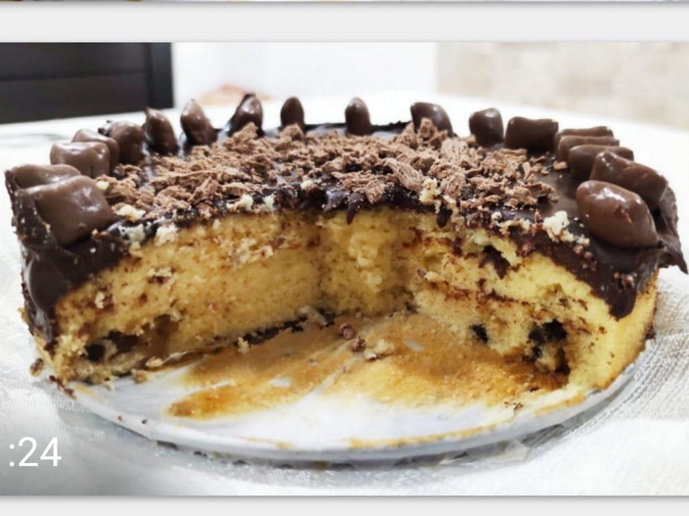 עוגה במילוי חלווה ושוקולד צ'יפס_מתכון של אורנה ועלני