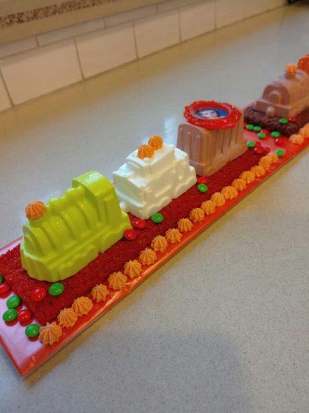 עוגת יום הולדת לנכדתי יעל_מתכון של שלומית שחר