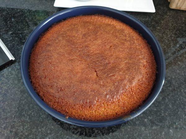 מתכון כתוב + סרטון להכנת עוגת סולת-קוקוס-תפוזים בחושה_מתכון של תילי טובה