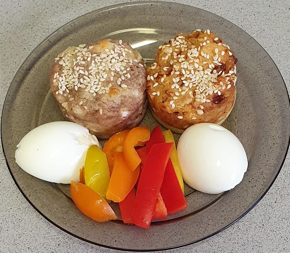 מאפינס גבינה עם ממרח עגבניות מיובשות וטפנד זיתי קלמנטה בשמן זית_מתכון של יפה וקס-ברקו