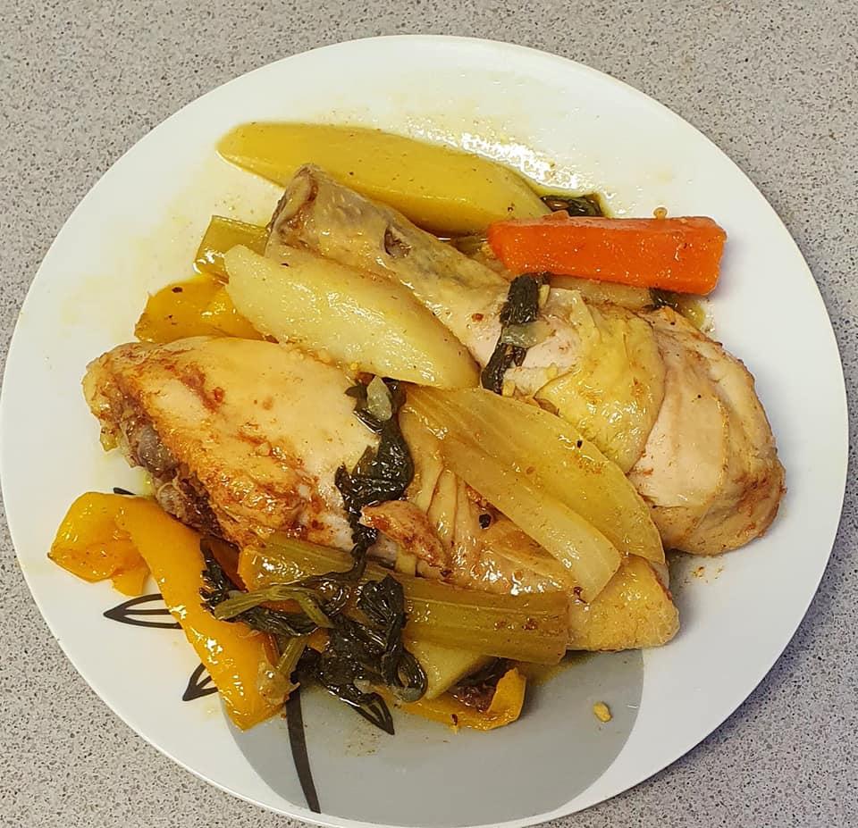 עוף ירקות וסלרי ברוטב מתקתק בשקית קוקי בתנור_מתכון של יפה וקס-ברקו