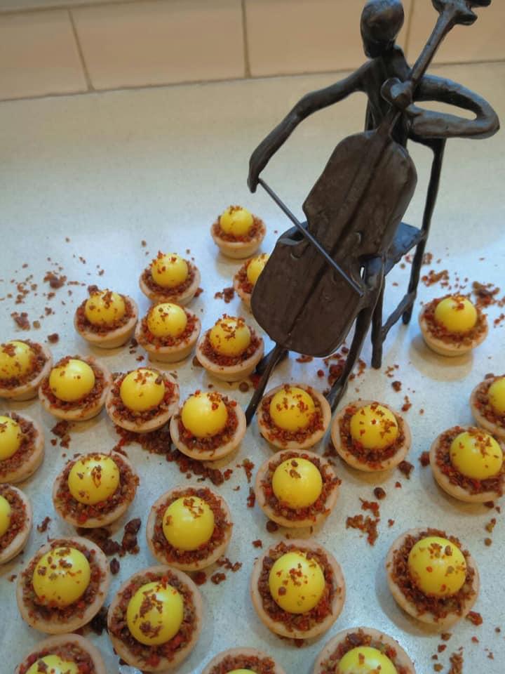 טאטלטים מוכנים במלית טופי דבש ופיצוחים…וקרמו לימון_מתכון של שלומית שחר