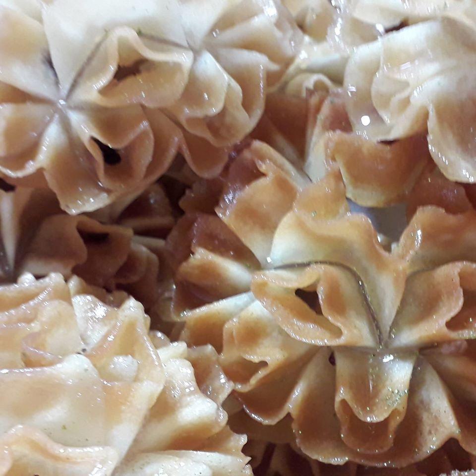 מתכון כתוב + סרטון להכנת שבקייה רוזטה / פרח לוטוס_מתכון של המטבח של תכלת