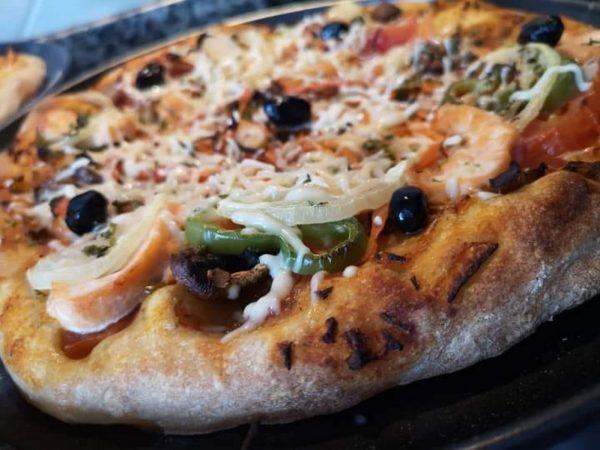 הבצק של הפרנה הופך גם לפיצה על הגז_מתכון של המטבח של תכלת