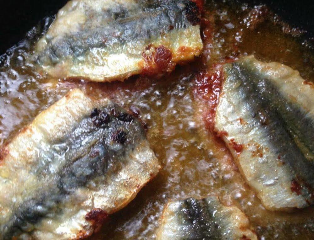מז׳וז׳יין … צמד של סרדינים במילוי צרמלה_מתכון של המטבח של תכלת – מאסטר מתכונים