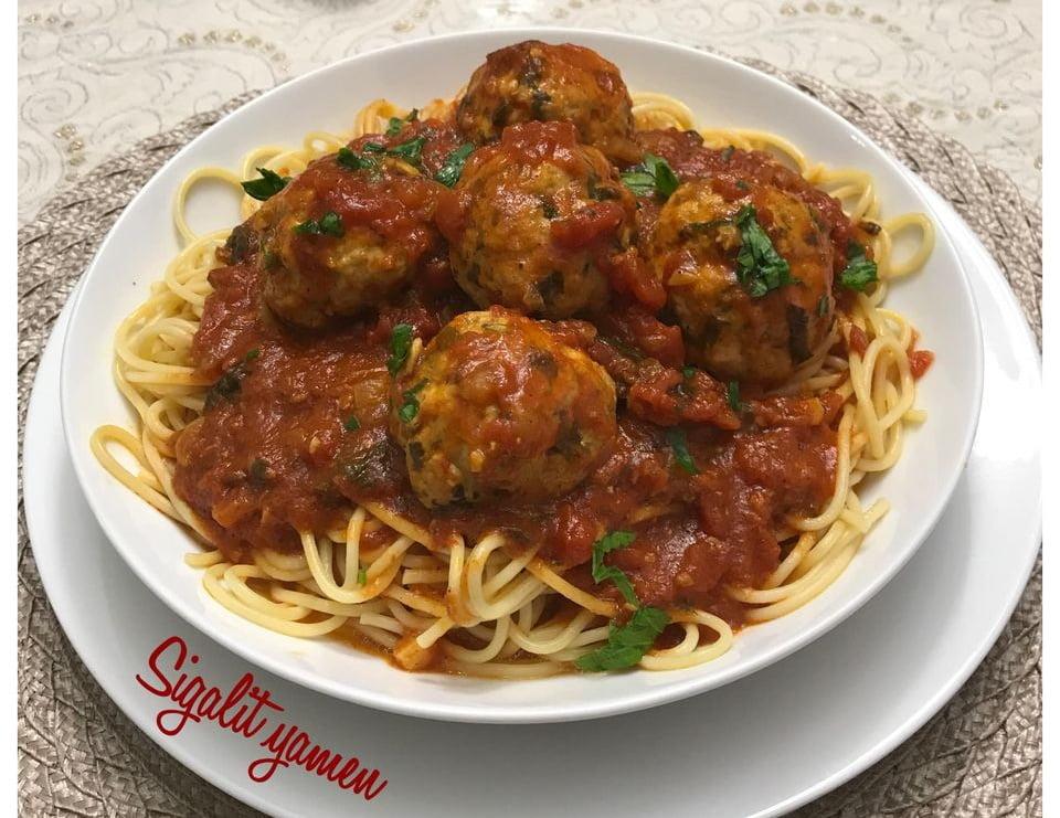 ספגטי ,קציצות עוף רכות עם רוטב עגבניות_מתכון של סיגלית ימין