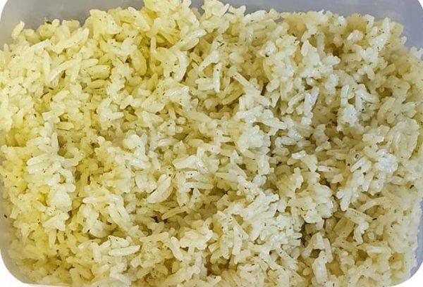 אורז בתיבול שום פטרוזילה וא.מרק