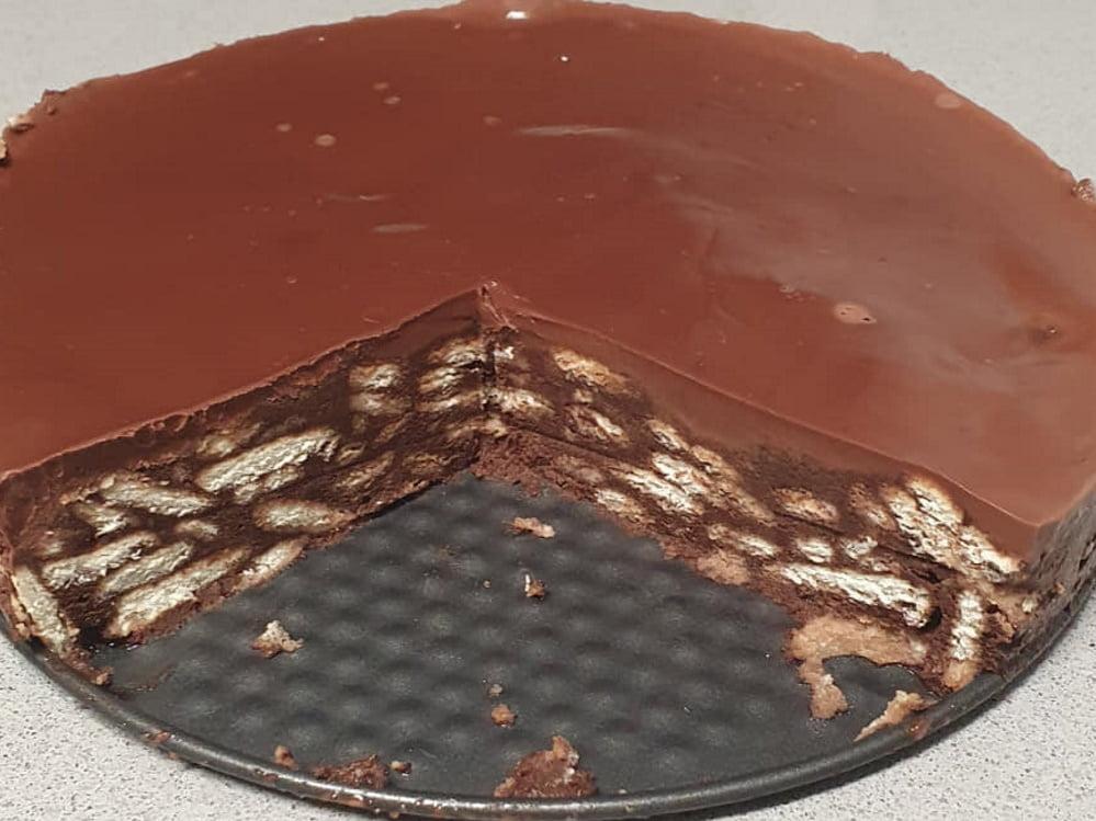 עוגת ביסקוויט טעימה ועשירה בשוקולד_מתכון של יפה וקס ברקו