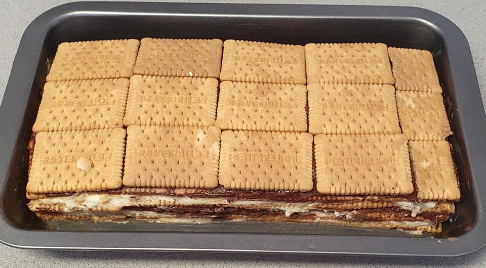 עוגת ביסקוויט שכבות_מתכון של יפה וקס ברקו