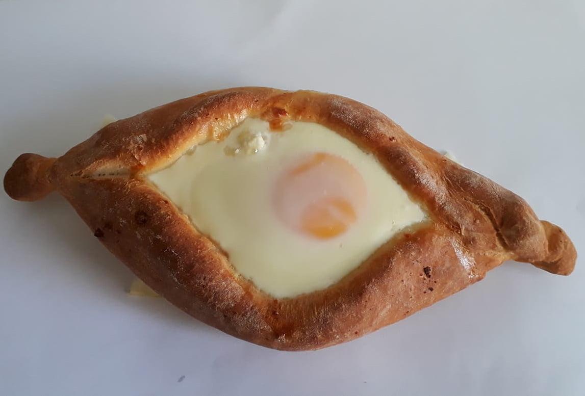 חצ'פורי / אצ'רולי..סירות בצק במילוי גבינה מהמטבח הגאורגי_מתכון של תהילה גיל