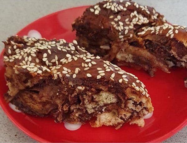 עוגות שמרים במילוי חלבי , ממרח נוטלה /שוקולד ואגוזי מלך טחונים _מתכון של יפה וקס ברקו