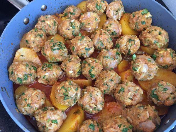 קציצות דגים עם תפוחי אדמה ברוטב_מתכון של המטבח של תכלת