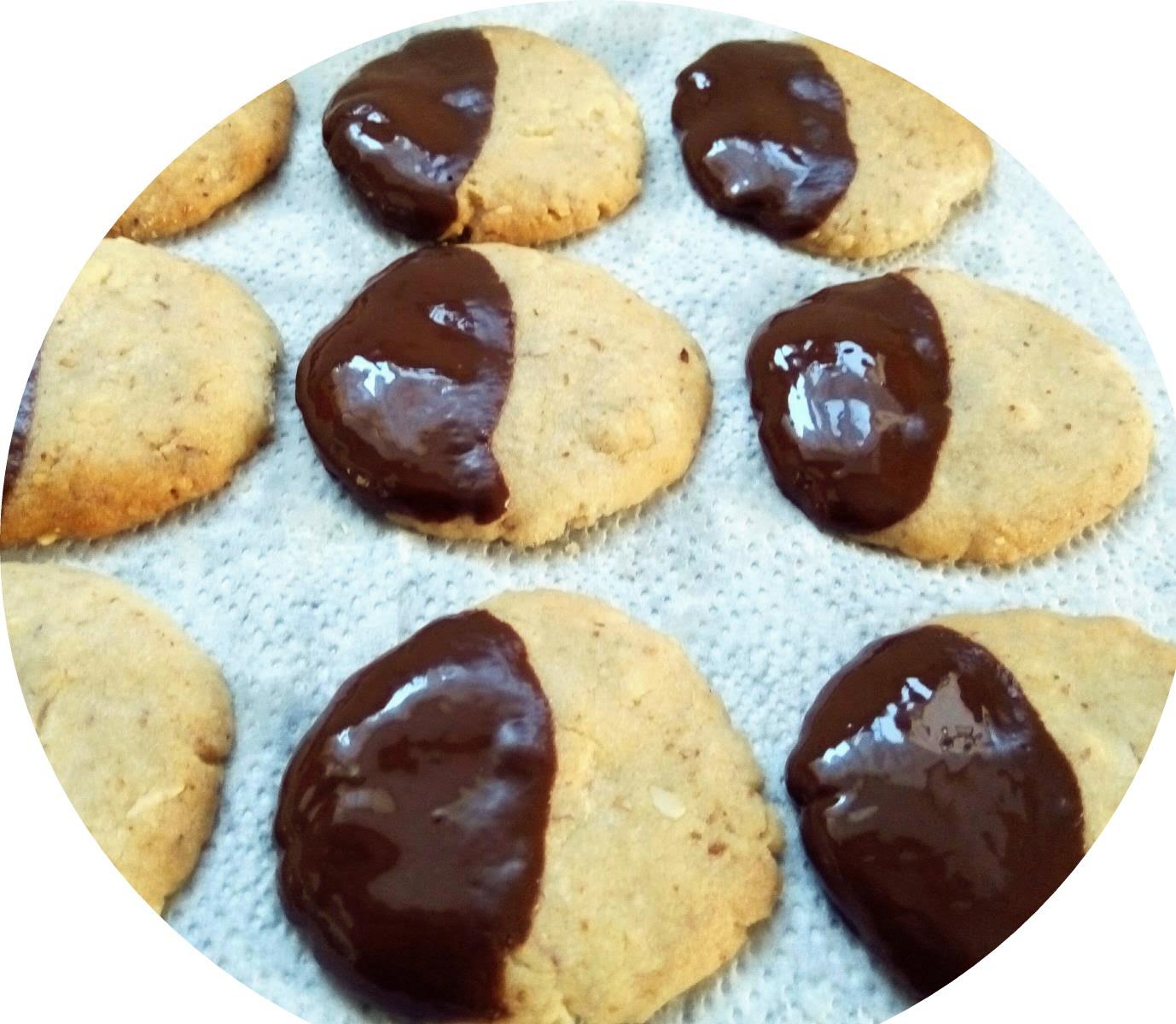 עוגיות שקדים ואגוזים_מתכון של אורה ארגוב
