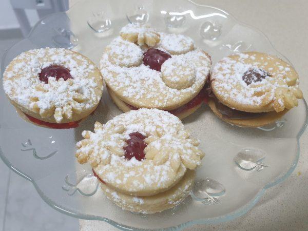 מתכון כתוב + סרטון להכנת בצק שקדים🙂 עוגיות פרח ריבה/שוקולד ❤ ❤_מתכון של  ירדנה ג'נאח