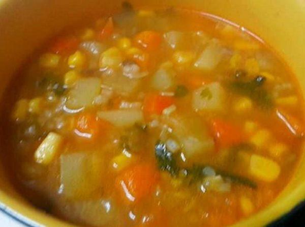 מרק ירקות וקטניות_מתכון של רוחמה כהן