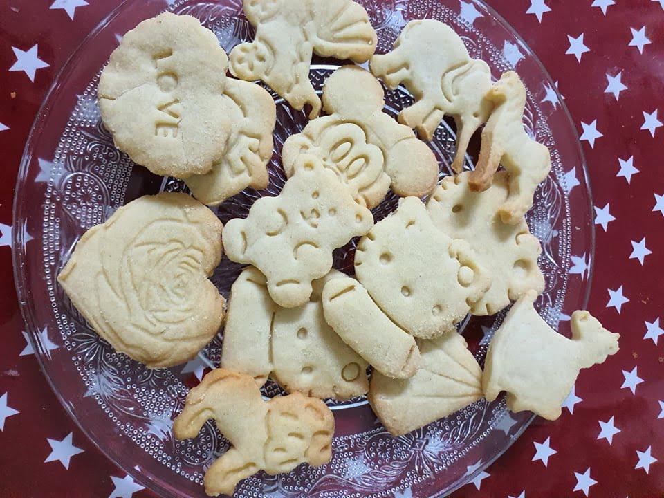עוגיות בצק פריך_מתכון של : נגיעות של אהבה עוגות ועוגיות של ג'יזל
