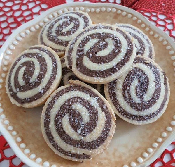 עוגיות ספירלה_מתכון של : נגיעות של אהבה עוגות ועוגיות של ג'יזל