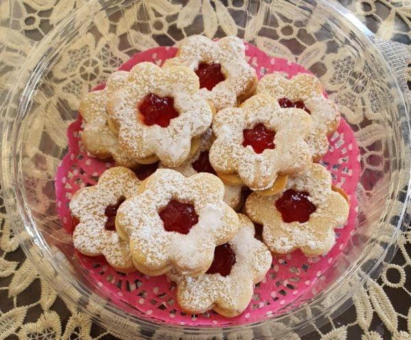 עוגיות ריבה_מתכון של : נגיעות של אהבה עוגות ועוגיות של ג'יזל