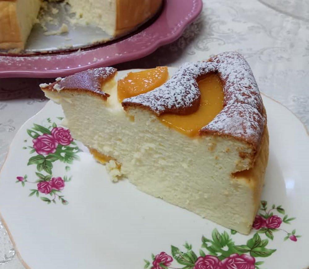 עוגת גבינה בציפוי אפרסקים_מתכון של יפה דודיאן