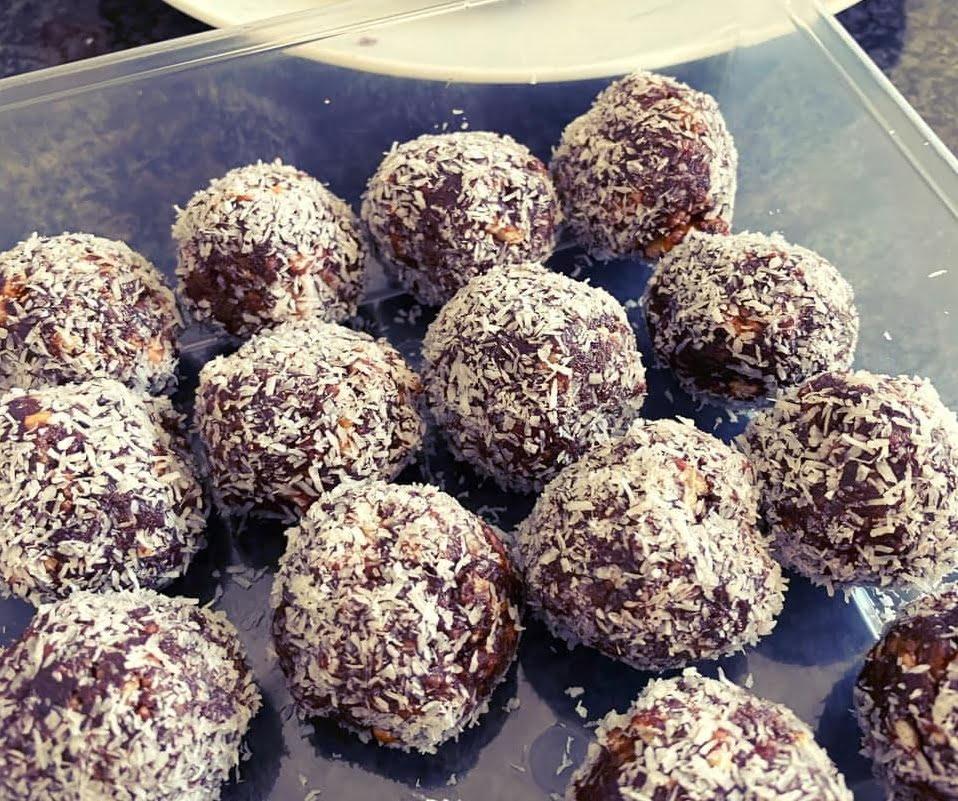 כדורי שוקולד הכי טעימים שיש_מתכון  של מרי שקד שירזי