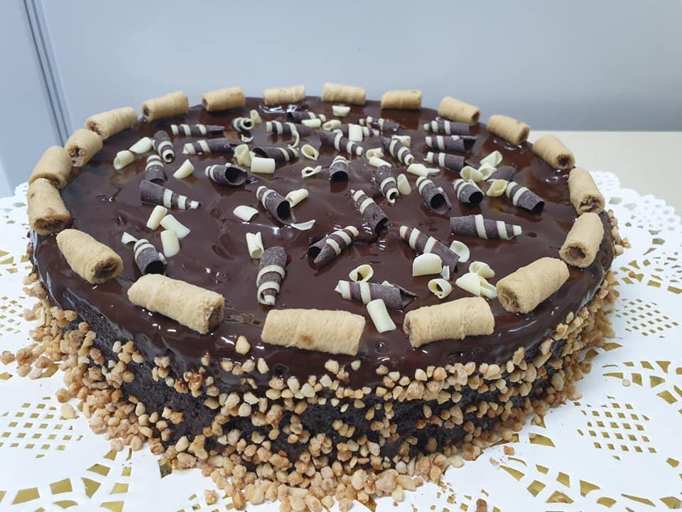 """עוגת שוקולד נמסה בפה ❤מושלמת ❤_מתכון של מלי מאירוב ע""""י ירדנה ג'נאח"""