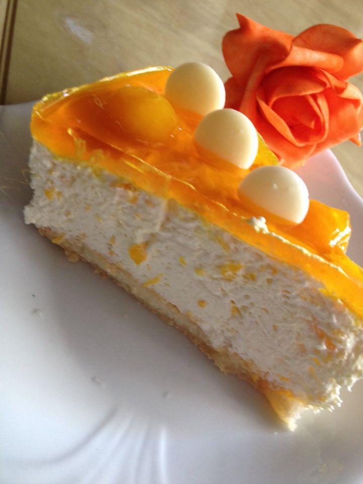 עוגת גבינה קרה עם חתיכות אפרסקים ושוקולד לבן_מתכון של ריקי גבאי