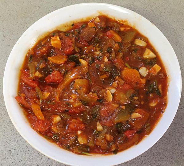 סלט פלפלים ועגבניות מבושל
