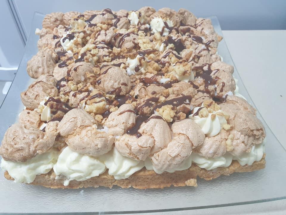 עוגת קצף וקצפת❤ המזכירה את טעם הילדות_מתכון של ירדנה ג'נאח