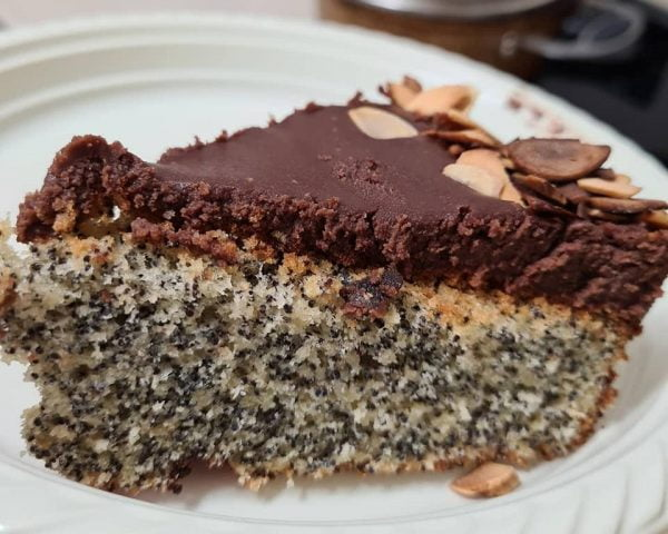עוגת פרג עם קרם שוקולד בטעם רום_מתכון  של מילן וקנין
